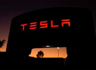 Tesla warns California owners to charge before power outages