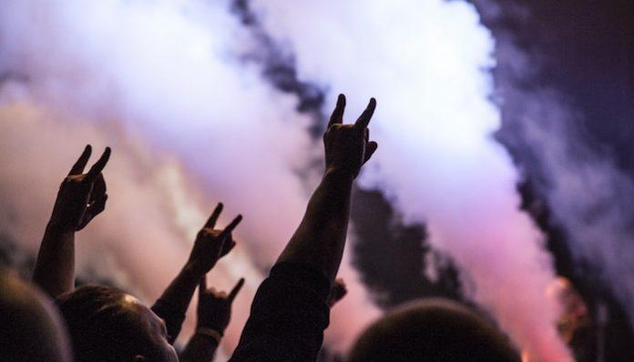 festival concert crowd rockstar disrupt festival louder than life, mayhem festival, lamb of god, megadeth tool coronavirus